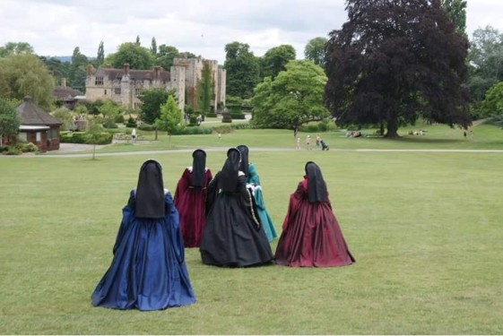 hever-ladies-walking-away